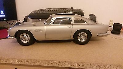James Bond 007 Aston Martin Db5 1 8 Scale The Old Toy Guide